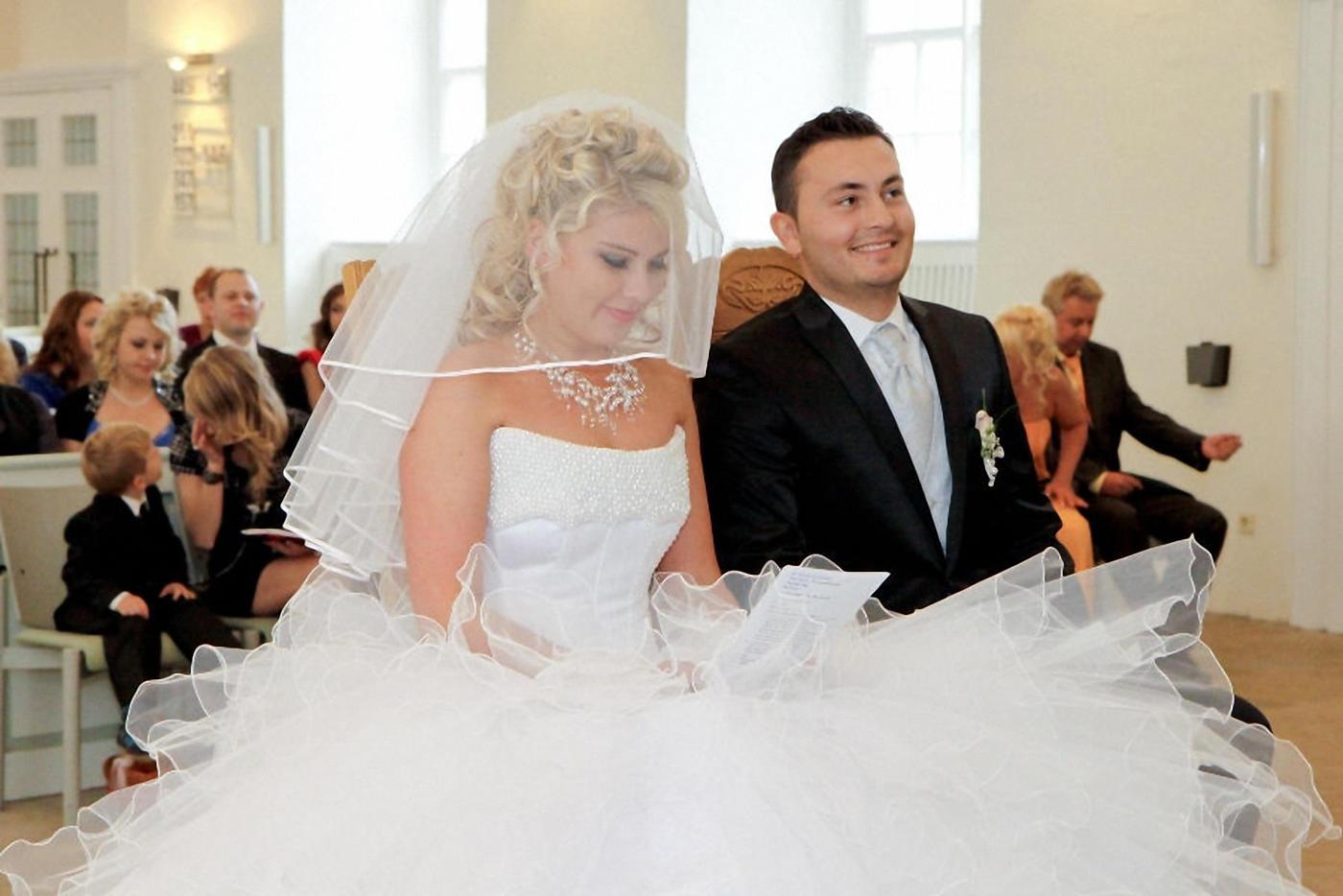 Hochzeitsfotografie authentisch und modern bei Kirchlicher Trauung in diepholz